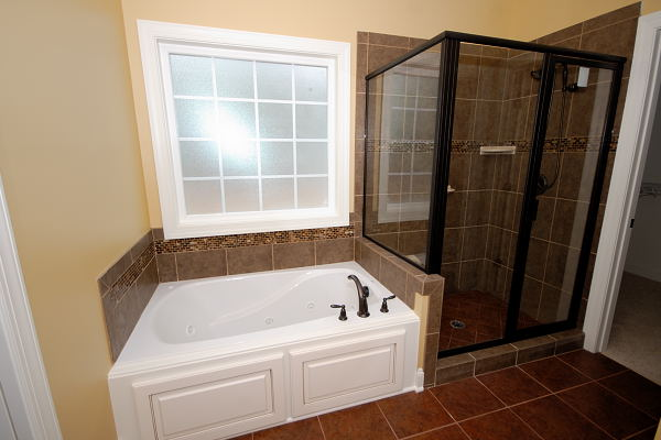 Goldsboro NC New Homes for Sale - 205 Laurel Dr. - Whirlpool Tub and Tile Shower